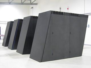 DataCentre每年電費達72億 5年內伺服器功耗將成長100億瓦