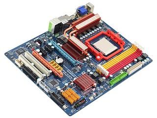 AMD 790GX IGP登場!! GIGABYTE GA-MA790GP-DS4H主機板