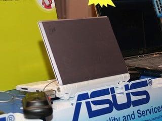 HKCCF:ASUS 以行動電腦為主打 Eee PC 900A 出現搶購人龍
