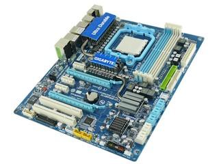 支援4組DDR3雙通道記憶體 GIGABYTE GA-MA790FXT-UD5P