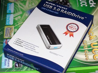 採用USB 3.0介面、支援320MB/s讀取 Super Talent RAIDDrive USB 3.0隨身碟