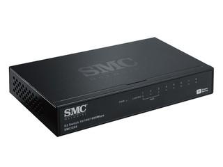 提供5 Port / 8 Port Gigabit 傳輸埠 SMC 環保節能 Gigabit 高速交換器
