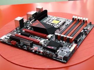 打造濃縮高效能平台 ASUS Rampage III GENE