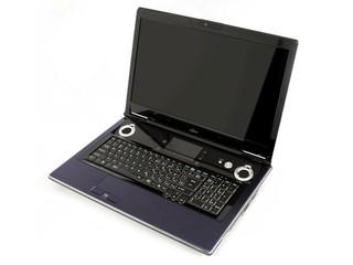 18吋旗艦級多媒體影音行動電腦 Fujitsu LifeBook NH900 強悍登場