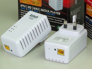 HomePlug升級至Gigabit速度 Aztech HL280E Ethernet Adapter
