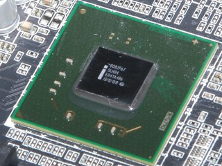 Intel 6系列晶片組出現瑕疵需回收 為客戶更換晶片  預期將損失10億營收