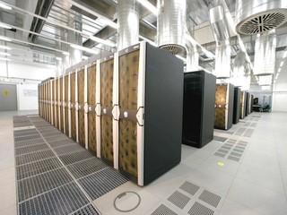 Fujitsu研發利用CPU廢熱冷卻數據中心 全新吸附物質 節省數據中心4成耗電量