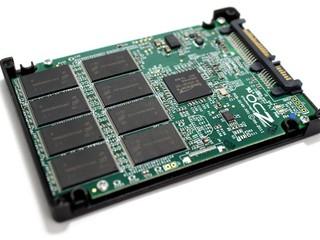 SSD 廠商為爭奪市場 減價促銷 OCZ降價至HK$1099 TEAM僅售HK$999