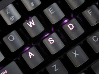 加追紫光LED型號 視覺效果更幻魅 Ducky DK9008 Shine 機械鍵盤