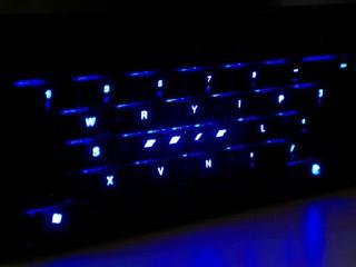 暗黑中泛起極酷藍光 Ducky Channel DK-9087 龍年特別版