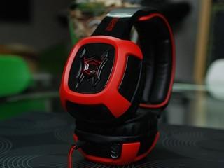 7.1 環迴音效 重低音震動器 SADES 電玩專用耳機 SA906