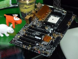 打造黃金Trinity平台 ECS A85F2-A GOLDEN主機板