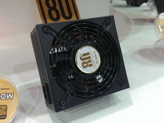 HIGH POWER 推出新款 SFX 金牌電源器 桌面電源器更加入無線數位監控功能