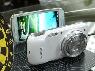 集智能手機與數碼相機於一身 Samsung Galaxy S4 Zoom