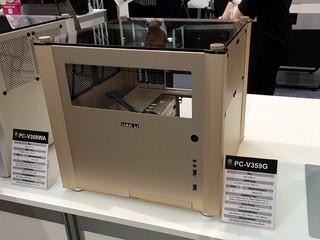 正面及機頂採透明窗口設計 LIAN LI 展示三色 PC-V359 機箱