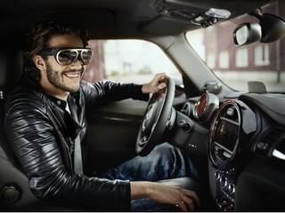支援 X-RAY功能 查看車輛系統狀態 BMW 伙拍高通研發車用智能眼鏡