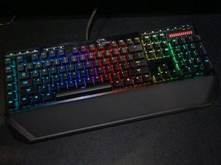 保留旗艦鍵盤強項 軟件優化功能豐富 G.skill RIPJAWS KM770 RGB登場