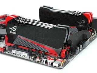 專為ROG主機板而生 AVEXIR RED Telsa 記憶體模組