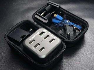 獲 QC 2.0 認證 可同時為 6 組裝置充電 Magic-Pro ProMini 6TQ 旅行充電器