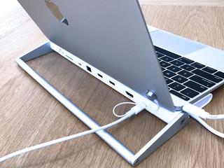 針對 MACBOOK 用家市場 UNITEK USB Type-C 多用途擴展支架