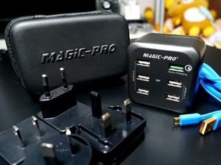 主要國家適用 為六台裝置快速充電 Magic-Pro ProMini 6TQ 旅行充電器