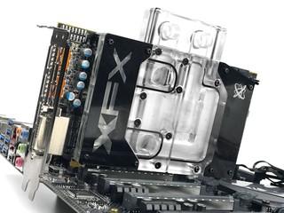 採用Polaris 20 GPU XFX Radeon RX580 水冷繪圖卡