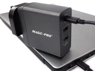 3 組 USB 接口、45W 總輸出 Magic Pro ProMini 3TQC 旅行充電器