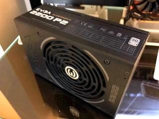 首款 2200W 電源器、可推動 9 張繪圖卡 EVGA 展出白金 SuperNova 2200W P2