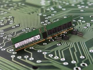 【容量、時脈將達到 DDR4 兩倍以上】 Samsung、SK-Hynix 計劃今年底發佈 DDR5 模組