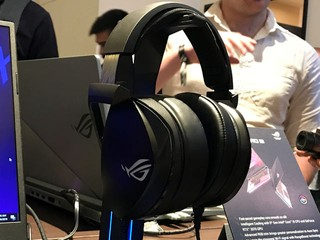 7.1 + A.I 降噪技術、Electret 耳機單元 ASUS 全新 ROG THETA 系列電競耳機登場