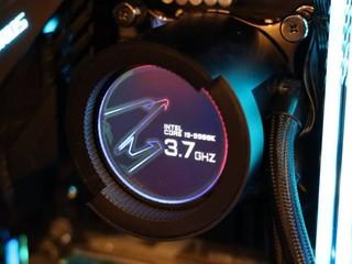 AORUS Liquid Cooler 一體式水冷卻 內建 60 mm LCD  實時顯示溫度等狀態