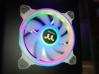 【CES 2020】四環 ARGB、56 顆 LED Thermaltake Riing Quad RGB 散熱風扇