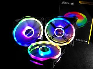 雙面四環、34 顆 RGB LED CORSAIR iCUE QL120 RGB 12cm PWM 風扇