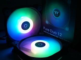 18 顆 LED、雙環燈效 Thermaltake Pure Duo 12 ARGB 風扇