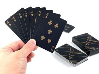 【新年 !! 怎可以缺少呢 ........】 免費索取 AORUS 限量版「黑金」撲克牌