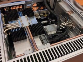 GeForce RTX 3080 無風扇散熱「燒雞」 功耗高達 347 W 捱了 257 秒後 GG 了