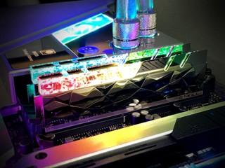 極速 DDR4-5333 神 RAM !! G.SKILL Trdient Z Royal Elite D4-5333 CL22 16GB