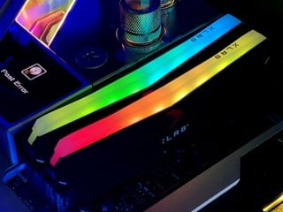 DDR4-5000+ OC 無難度 !! PNY XLR8 RGB DDR4-4600 16GB Kit